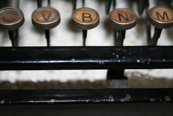 typewriter-79025-1024x682